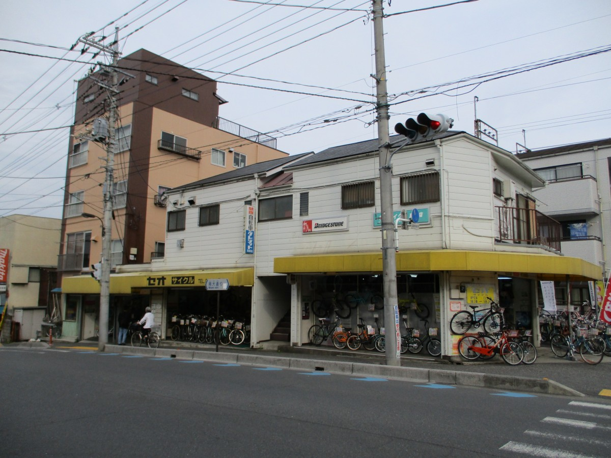 セオサイクル南浦和東口店外観写真